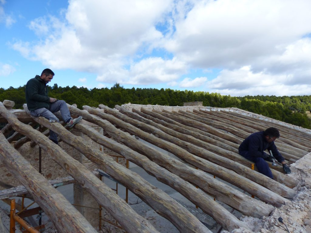Work starts on the new roof